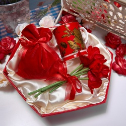 «Красный букет» - яркий подарочный набор
