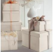 Подарочные коробки по цветам